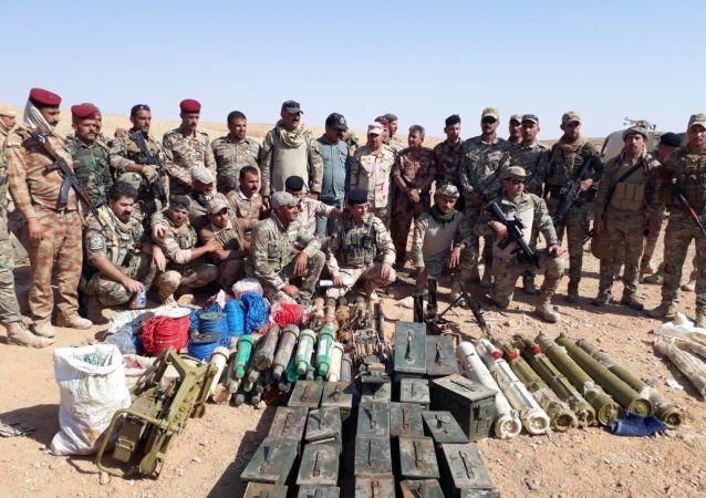 القوات العراقية تدمر مخازن أسلحة لـداعش في الحدود
