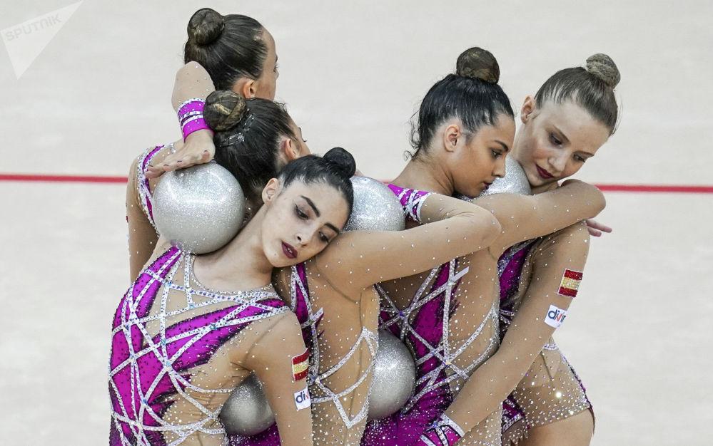 فريق الجمباز الإيقاعي الإسباني في بطولة العالم للجمباز الإيقاعي بين السيدات في باكو، أذربيجان