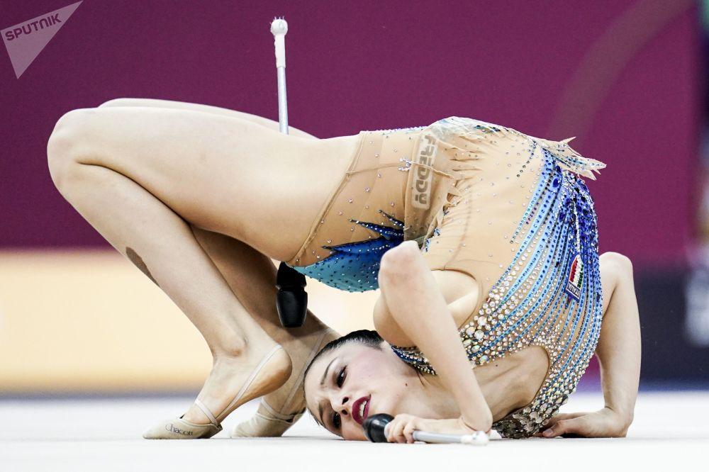 الإيطالية ميلانا بالداساري بطولة العالم للجمباز الإيقاعي بين السيدات في باكو، أذربيجان