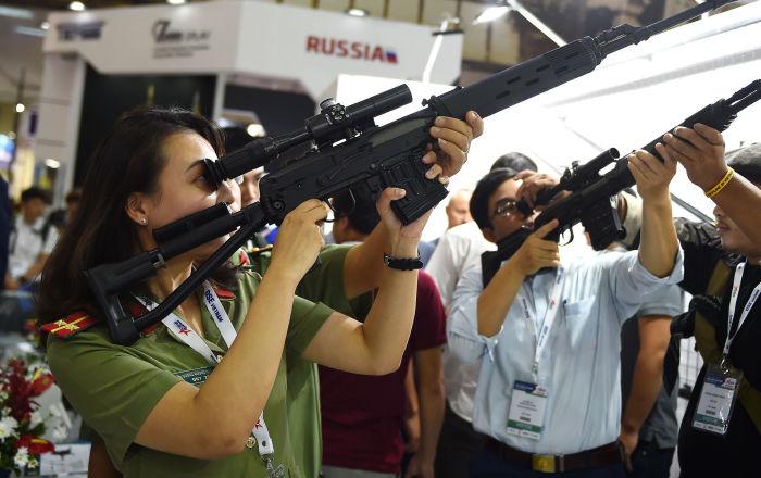بينها دولة عربية… أكثر 10 دول تسمح للمدنيين بحمل أسلحة نارية