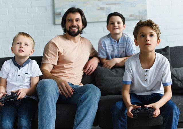 الأب مع أبنائه