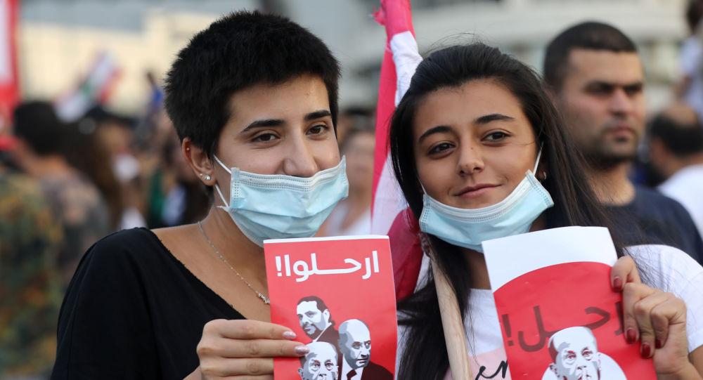 بعد محاولة اقتحام القصر الرئاسي ابنة الرئيس اللبناني تكشف عن