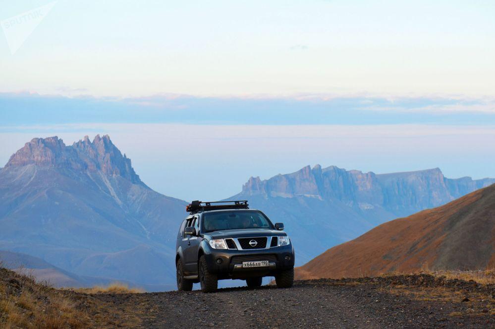ممر جبلي شاوكام بين مجرى وعر جيلي-سو وباكسانسك في قبردينو بلقاريا