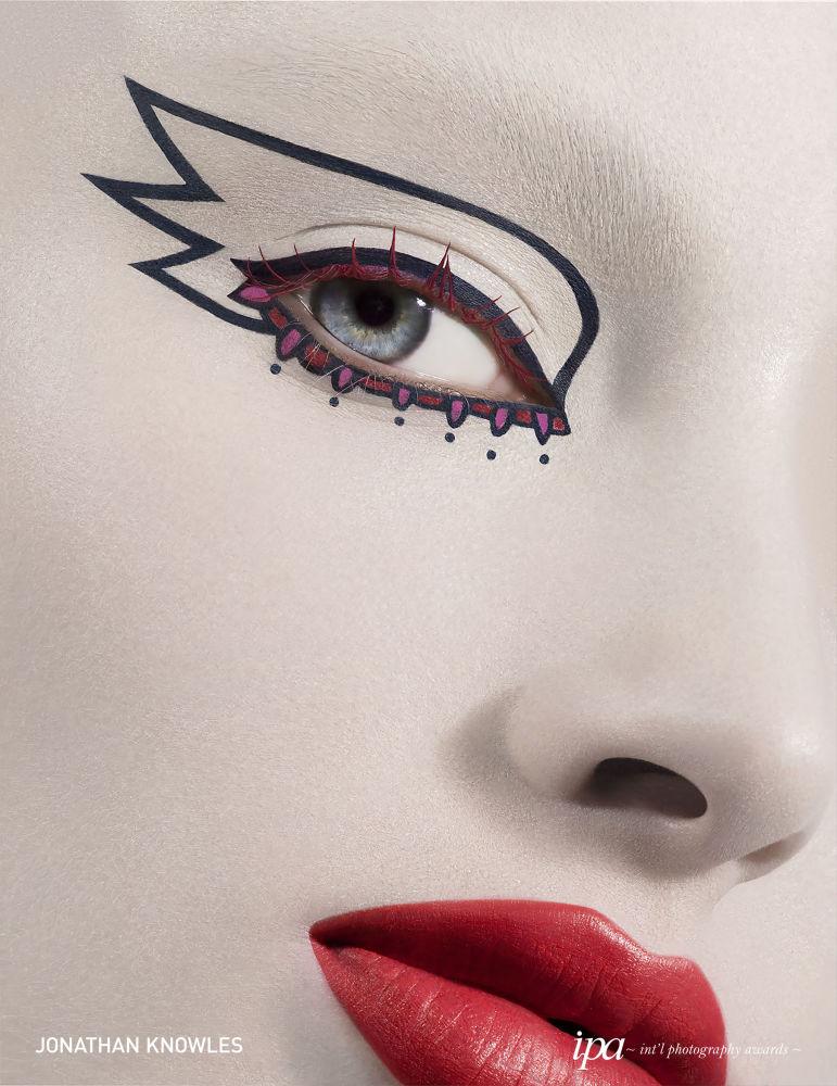 صورة بعنوان 2049 - عرض ديور (2049 - DiorSHOW)، للمصور جونثان نولز، الفائز في فئة مصور الإعلانات لهذا العام ضمن جوائز المحترفين للمسابقة الدولية للتصوير  لعام 2019
