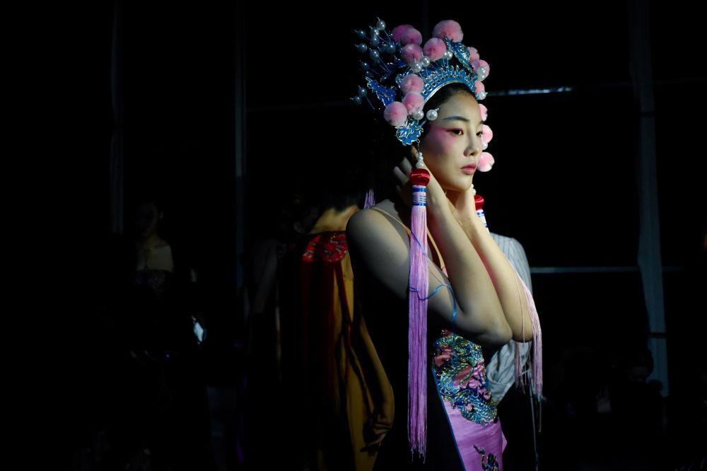 عرض أزياء أسبوع الموضة في بكين، الصين 28 أكتوبر 2019