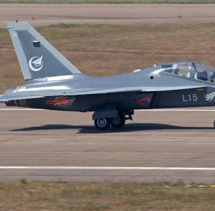 JL-10 (Hongdu L-15 Falcon)