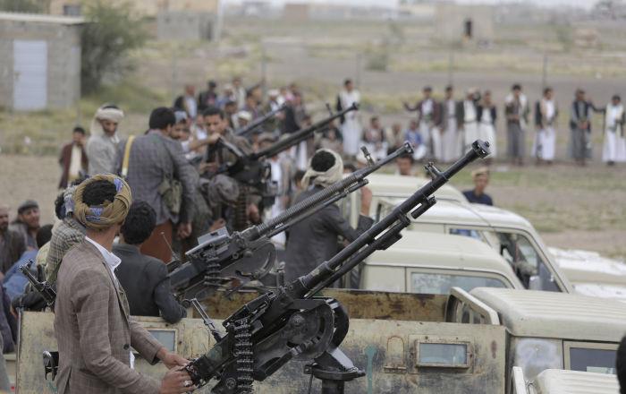 الحوثي يكشف عن اتصالات جارية مع السعودية واستعدادهم للذهاب إلى المملكة