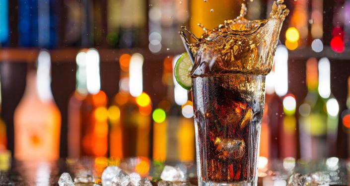 """أضرار بالجملة للمشروبات الغازية تصل إلى """"الوفاة المبكرة"""""""