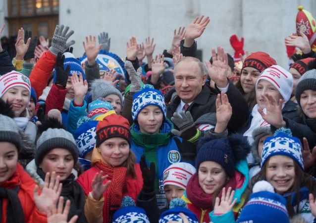 بوتين مع الاطفال