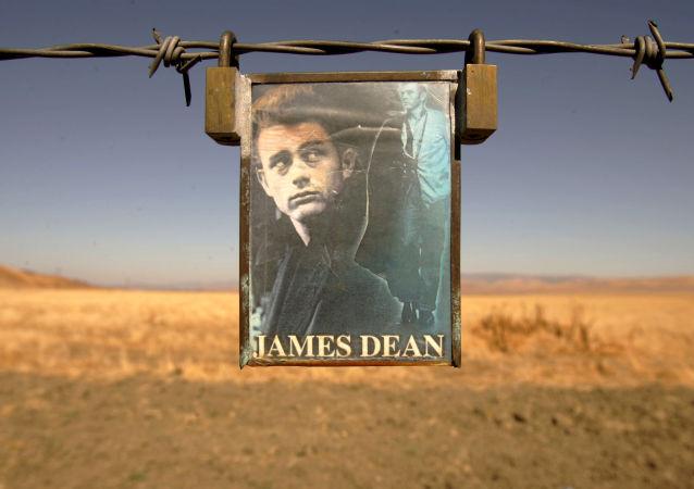 جيمس دين
