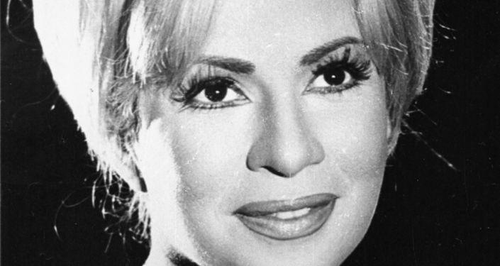 """في ذكرى وفاتها… هند رستم """"العنيدة"""" تروي في لقاء نادر كيف تخلت عن نجوميتها في لبنان من أجل رجل"""