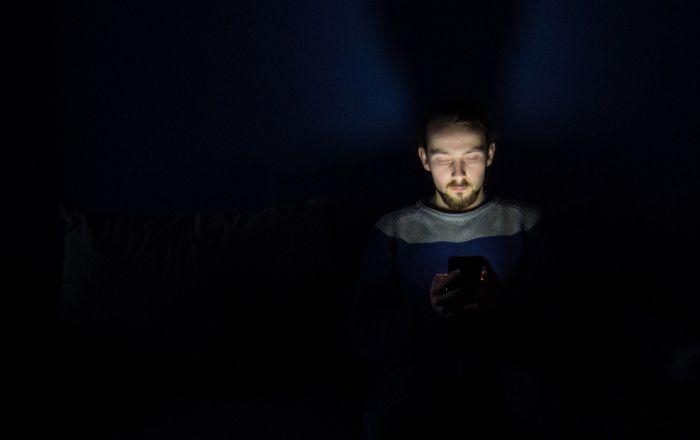 """مشروع  قانون يجبر """"أبل"""" و""""غوغل"""" على منح الحكومة الأمريكية الحق فى اختراق الهواتف"""
