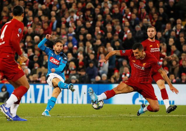 مباراة ليفربول ونابولي في دوري أبطال أوروبا