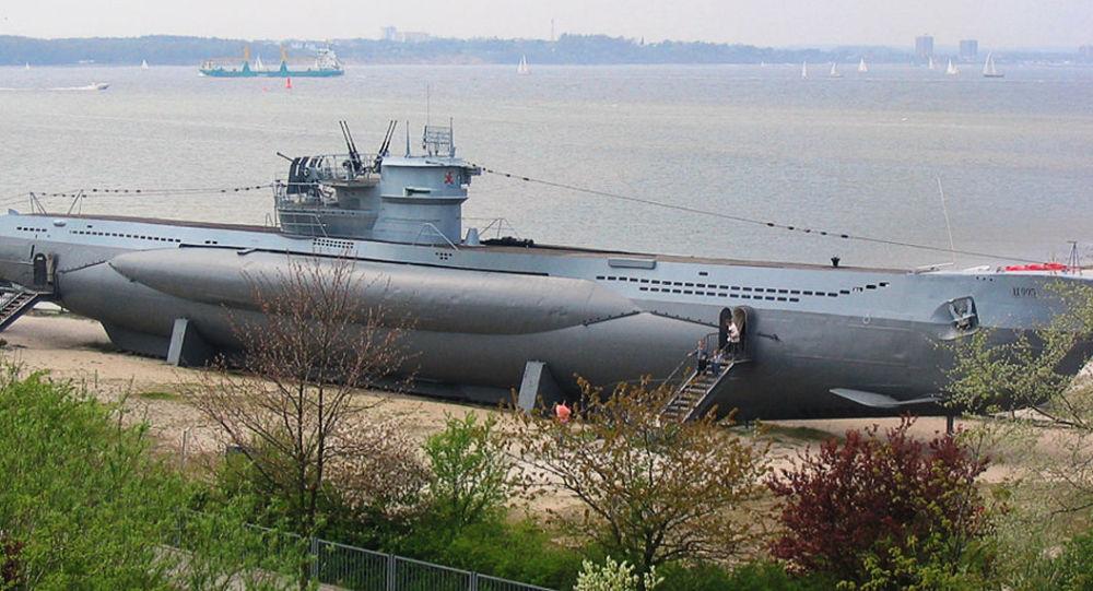 غواصة ألمانية من طراز U-995
