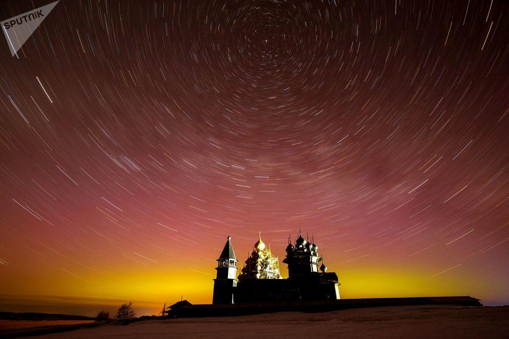متحف في الهواء الطلق كيجي في كاريليا الروسية