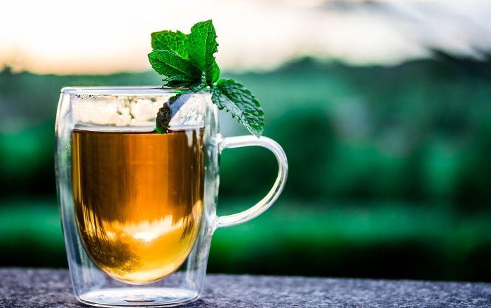 6 أسباب تجعلك تدخل هذا المشروب الصحي في نظامك الغذائي