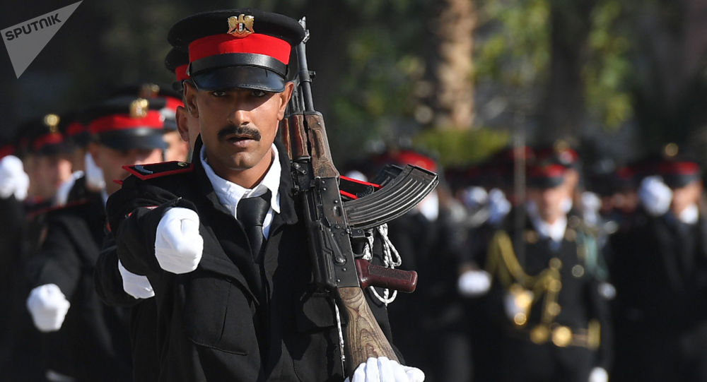 طلاب أكاديمية الشرطة في دمشق خلال التدريبات