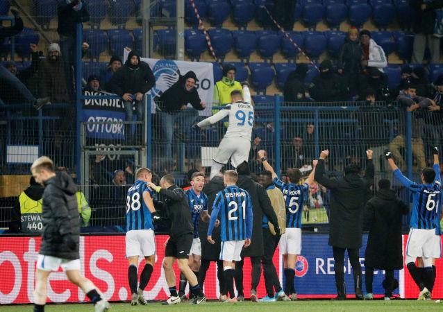 أتالانتا الإيطالي يفوز على شاختار ويتأهل لدور الـ16 في دوري الأبطال