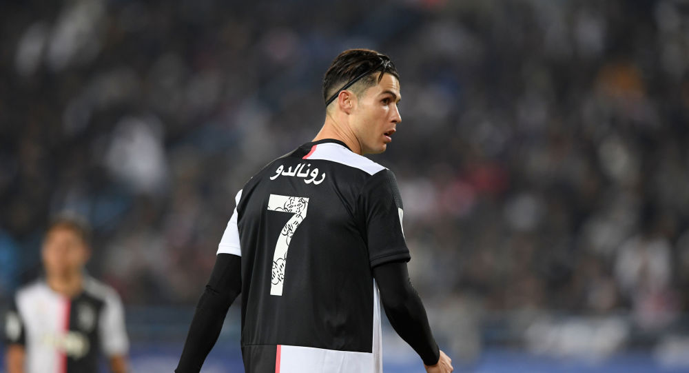 مهاجم يوفنتوس الإيطالي اللاعب البرتغالي كريستيانو رونالدو