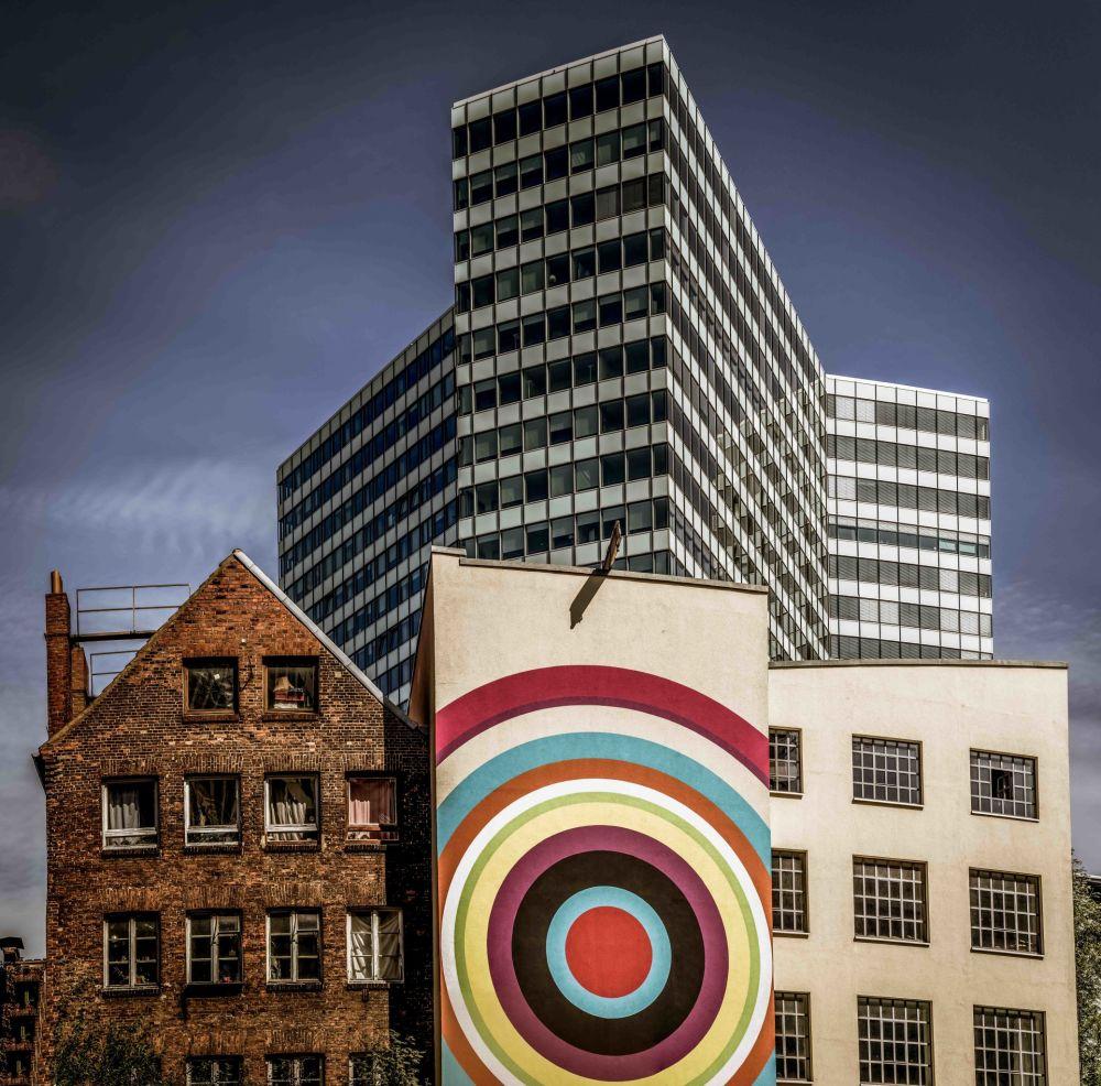 الصورة بعنوان مزيج ملون، للمصور الألماني فولكر ساندر، الذي تأهل إلى نهائي مسابقة فن البناء لعام 2019