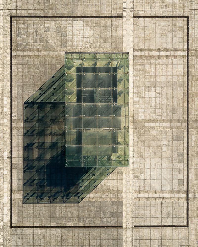 الصورة بعنوان الأكسونومترية، للمصور البولندي غرزيغورز تاتار، الذي تأهل إلى نهائي مسابقة فن البناء لعام 2019