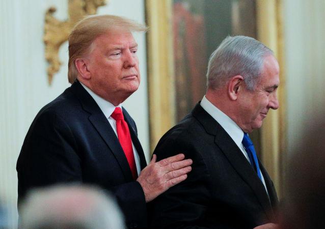 الرئيس الأمريكي دونالد ترامب، ورئيس الوزراء الإسرائيلي بنيامين نتنياهو