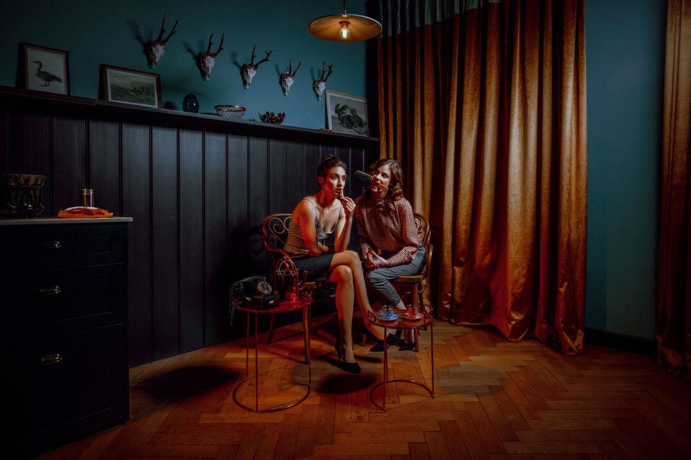 صورة بعنوان 8 غرف، من سلسلة 8 غرف، للمصور التشيكي توماس فرانا، مُدرجة في القائمة القصيرة لجائزة سوني العالمية للتصوير 2020 في فئة لوحة