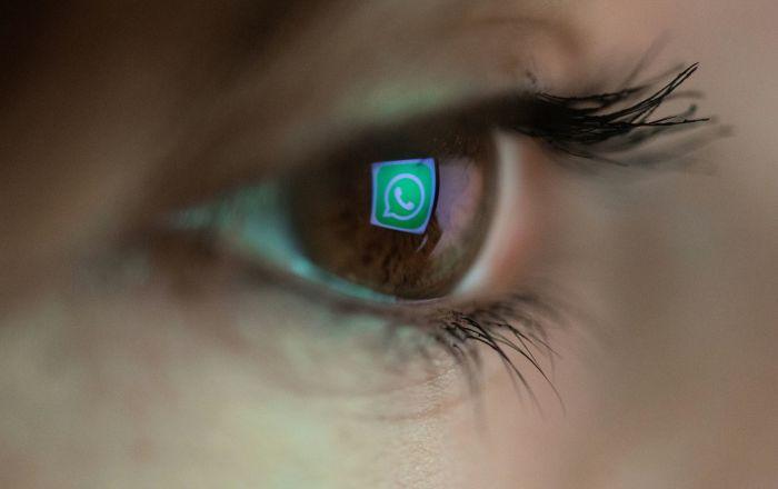 """تحذير لمستخدمي """"واتسآب"""" من رسالة تخترق الهاتف وتسرق بياناته"""