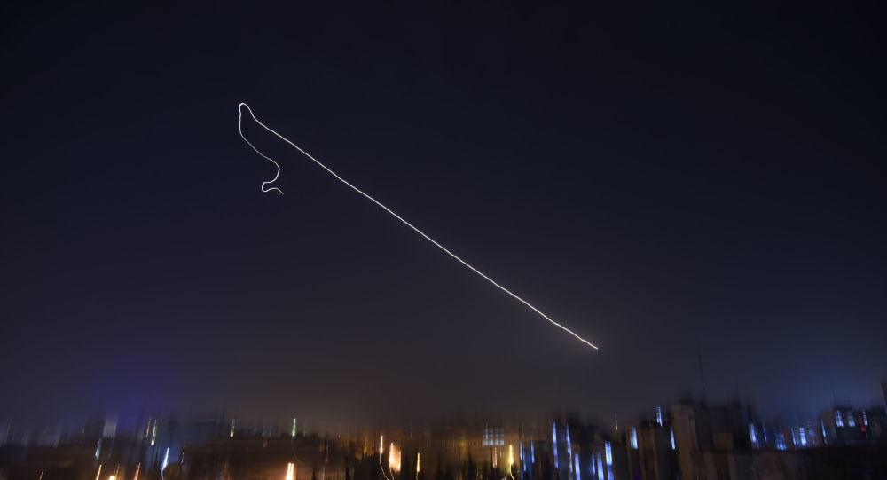 إسقاط صواريخ إسرائيلية فوق سماء دمشق