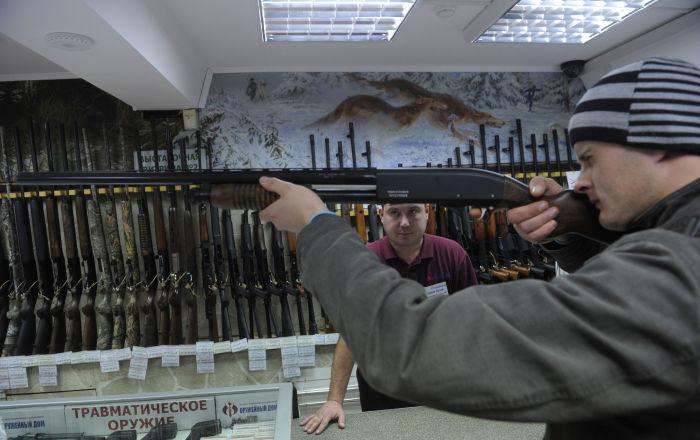 الولايات المتحدة في خطر... مبيعات الأسلحة قياسية في الأشهر الأخيرة