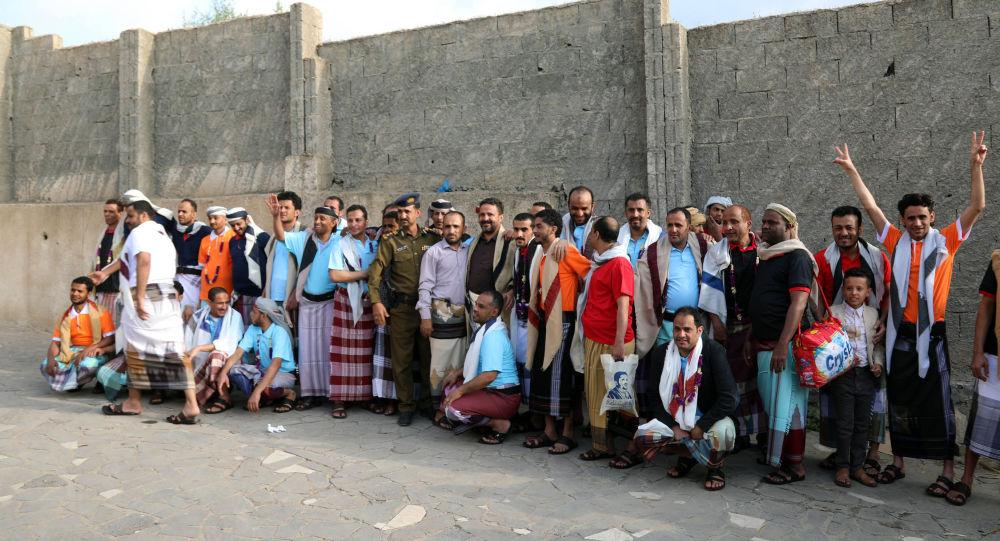 وزير من صنعاء يكشف سر عرقلة حكومة هادي لاتفاق الأسرى طول الأشهر الماضية