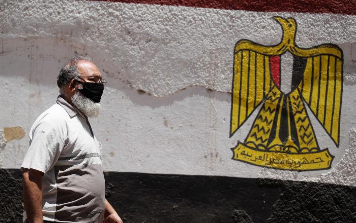 فنان مصري جديد يقع فريسة لكورونا