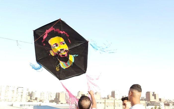 سر انتشار الطائرات الورقية في سماء مصر... صور وفيديو