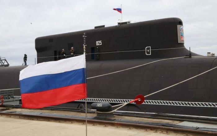 """الغواصة النووية """"كنياز فلاديمير"""" تشارك في عرض القوات البحرية الروسية"""