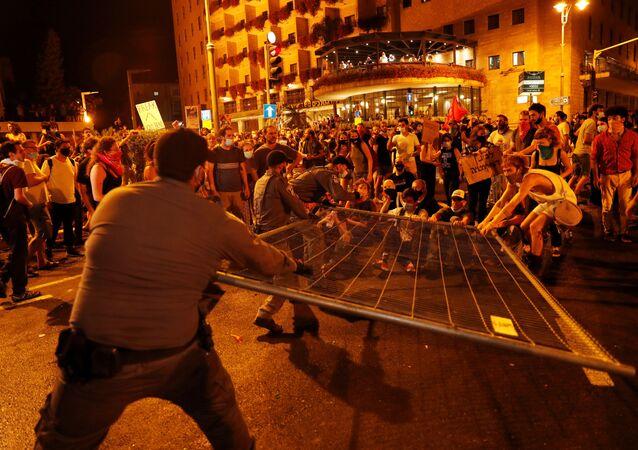 مظاهرات حاشدة في إسرائيل ضد فساد نتنياهو