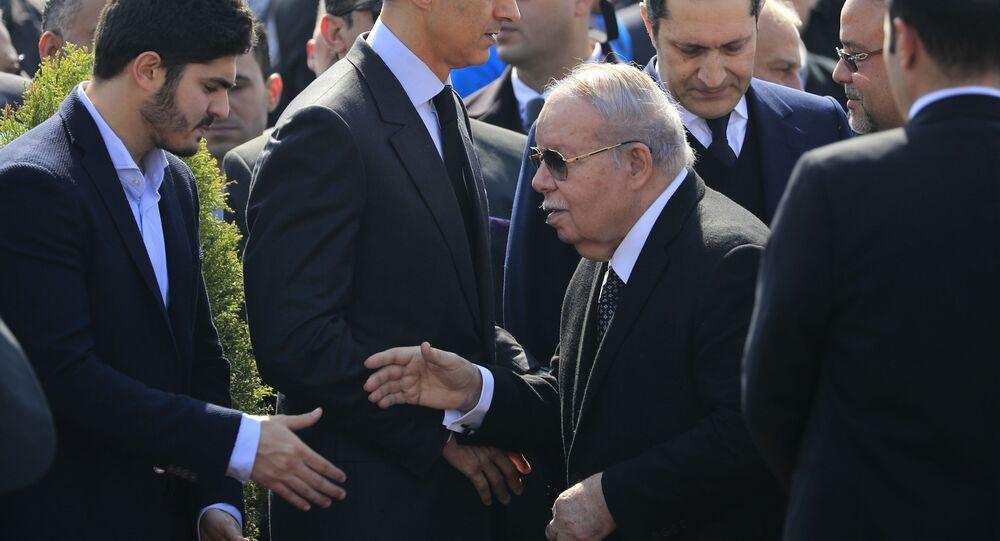 رئيس مجلس الشعب المصري الأسبق أحمد فتحي سرور في جنازة الرئيس المصري الأسبق محمد حسني مبارك