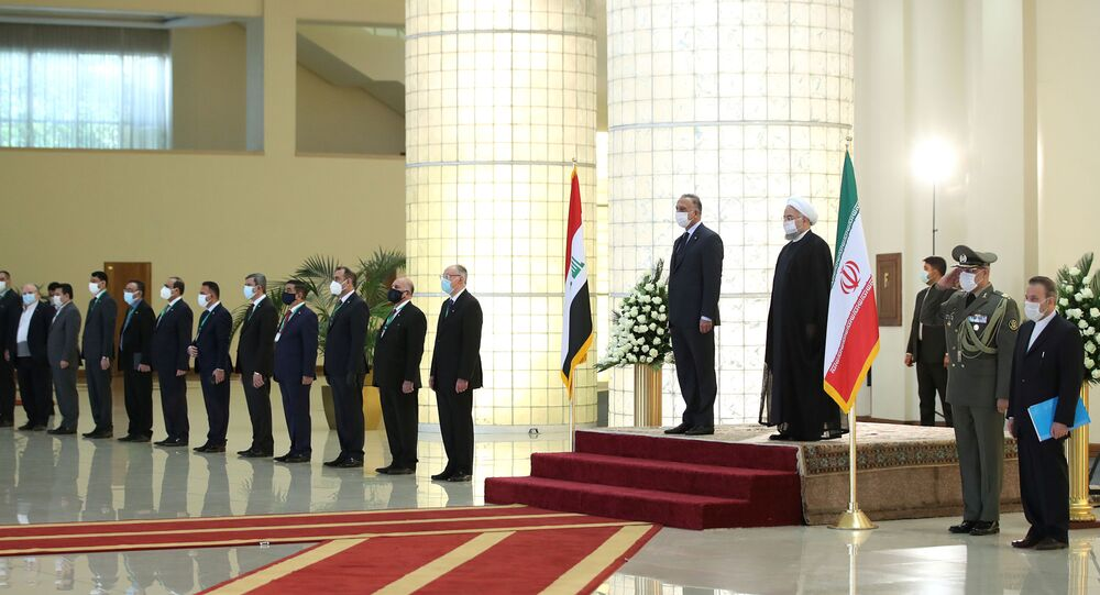 استقبال الرئيس الإيراني حسن روحاني لرئيس الوزراء العراقي مصطفى الكاظمي