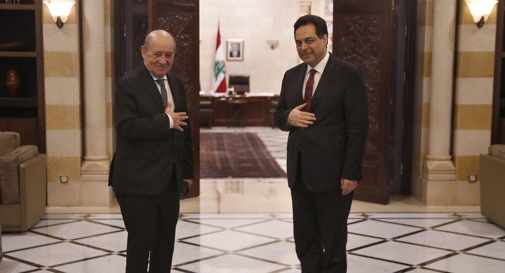 رئيس الحكومة اللبنانية حسان دياب مع وزير الخارجية الفرنسي جان ايف لودريان