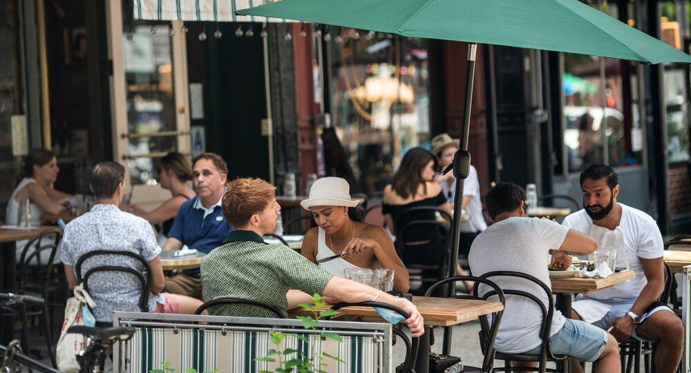 مطعم مكشوف في نيويورك