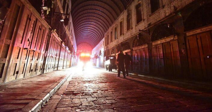 """بالصور… آثار حريق سوق """"البزورية"""" الشهير بدمشق القديمة"""