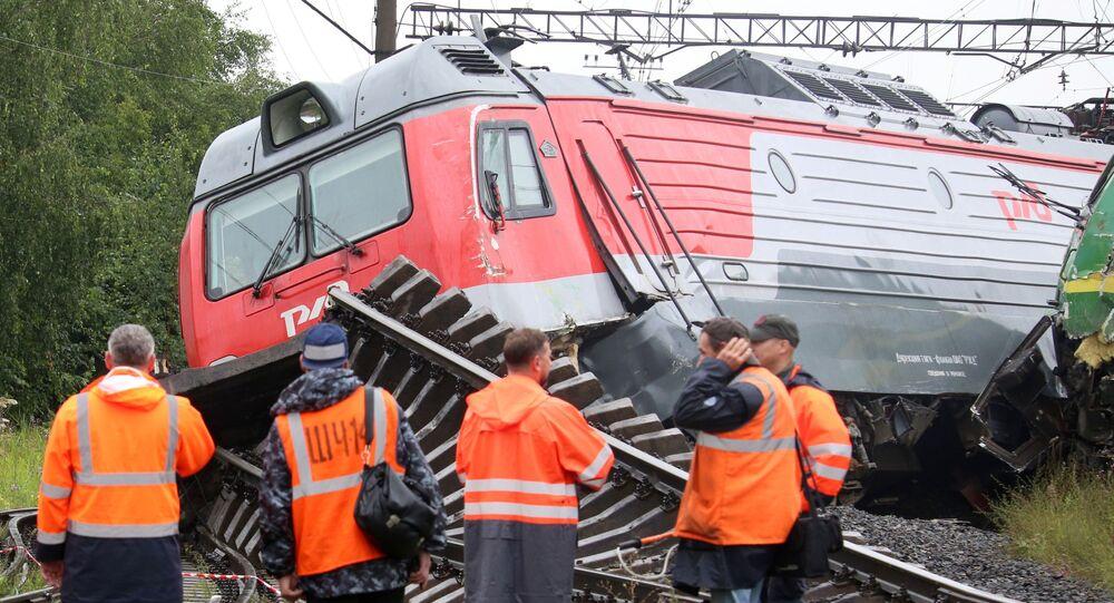 بالفيديو.. اصطدام قطارين في مدينة سان بطرسبورغ
