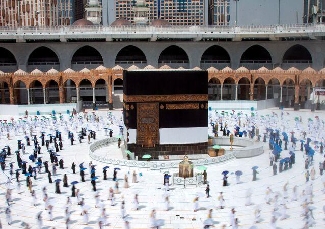 الحجاج في مكة مع الحفاظ على الاجراءات الاحترازية التي فرضتها السلطات السعودية، وذلك لمنع تفشي فيروس كورونا، 29 يوليو 2020