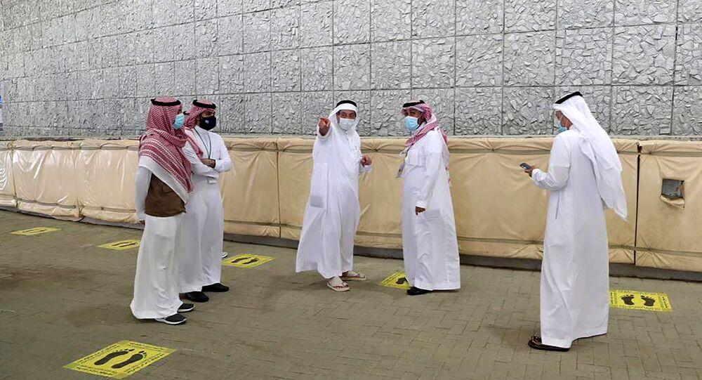آخر التحضيرات قبل بدء مراسم الحج، الاجراءات الاحترازية التي فرضتها السلطات السعودية، وذلك لمنع تفشي فيروس كورونا، 28 يوليو 2020