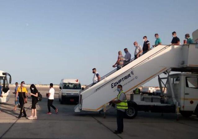 رحلة طيران لمصر للطيران قادمة من مطار  بغداد إلى مطار شرم الشيخ