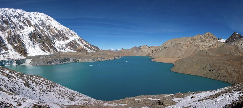 بحيرة تيليشو في نيبال