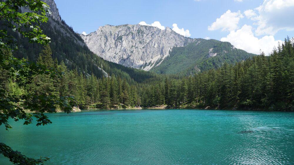 بحيرة غرونير-زي (او البحيرة الخضراء) في ولاية ستيريا النمساوية الاتحادية
