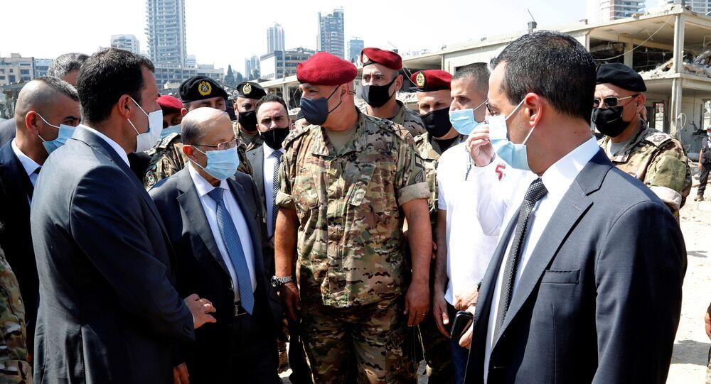 الرئيس اللبناني ميشال عون يتفقد موقع الانفجار في مرفأ بيروت، لبنان 5 أغسطس 2020