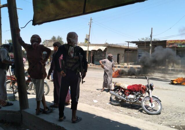 الجيش الأمريكي وحلفائه يحاصرون العكيدات.. والبشير يطالب بحشد القبائل العربية لتحرير شرقي سوريا