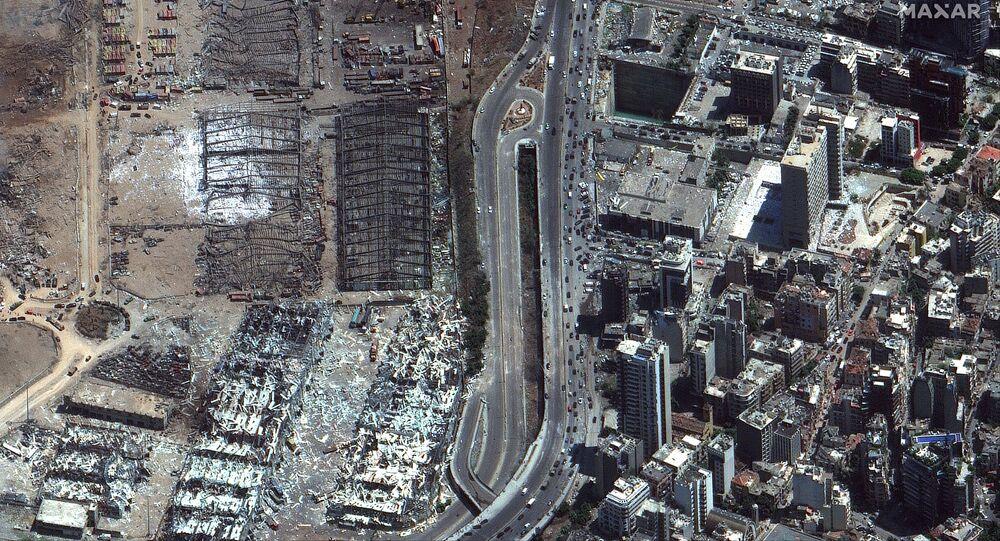 صورة أقمار صناعية، بتاريخ 5 أغسطس/ آب، تم الحصول عليها بإذن من شركة ماكسار تكنولوجيز الأمريكية، تظهر مدينة بيروت بعد الانفجار في 4 أغسطس 2020.