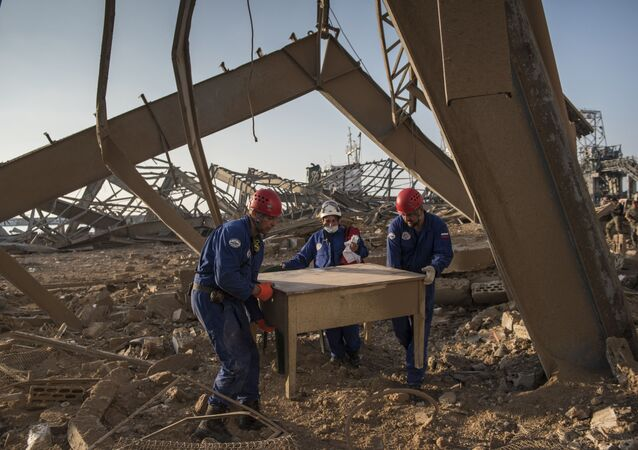 أفراد طاقم الإنقاذ التابع لوزارة الطوارئ الروسية في بيروت، لبنان 6 أغسطس/ آب 2020